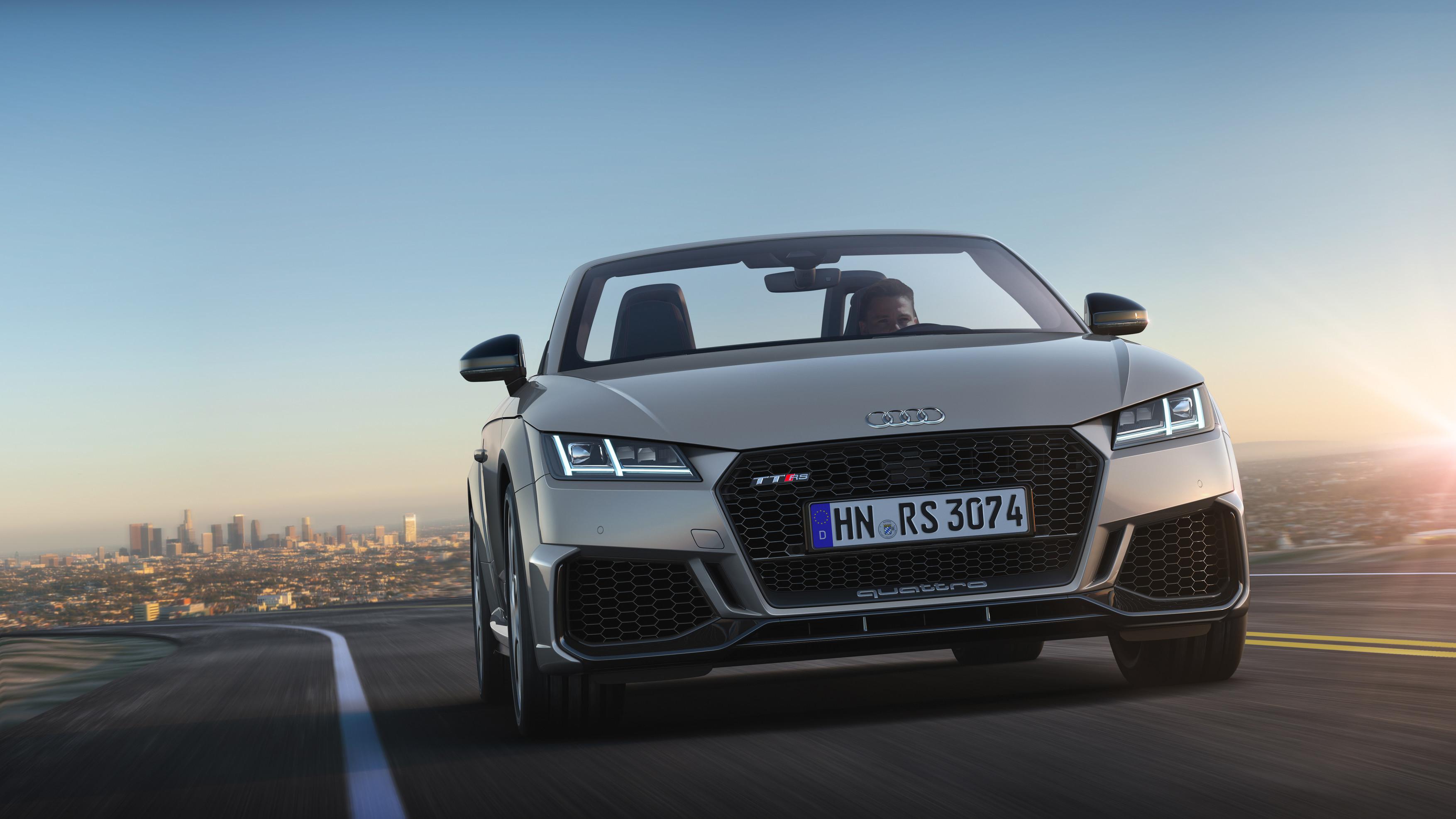 Kompaktsportler in Topform:  das neue Audi TT RS Coupé und Roadster