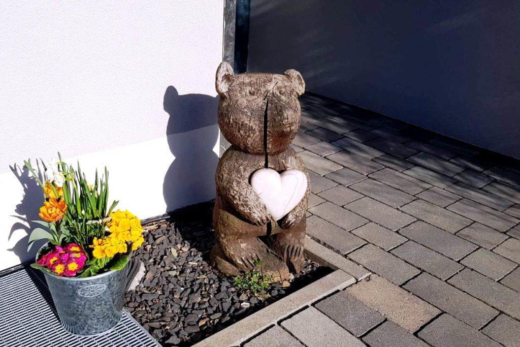 """Besuch und """"Scheckübergabe"""" beim Kinderhospiz Bärenherz in Wiesbaden"""